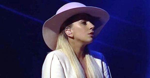 lady-gaga-saturday-night-live