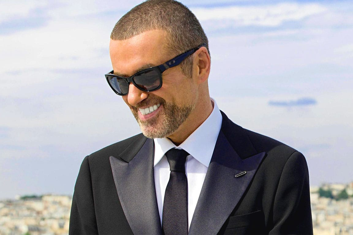 Photo of George Michael: i suoi successi e le reazioni del web alla sua scomparsa