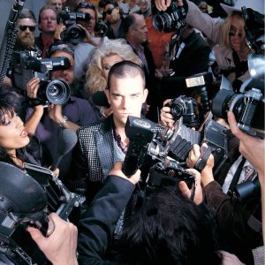 robbie_williams-life_thru_a_lens_a