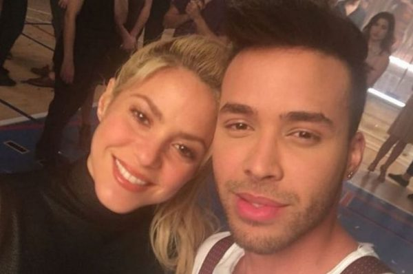 shakira-y-prince-royce-cantantes-893x607