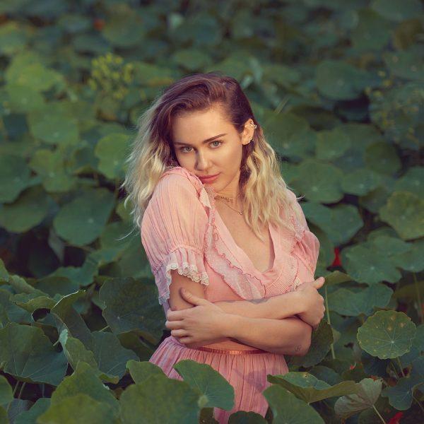 Miley-Cyrus-2017-Billboard
