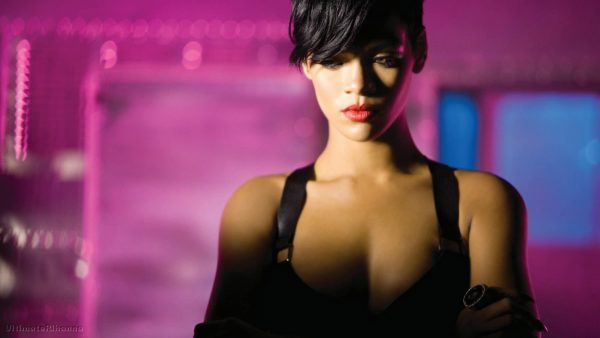 27420785-rihanna-wallpapers