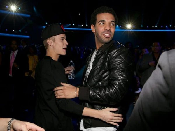 LOS ANGELES, CA - NOVEMBER 18: Singer Justin Bieber and recording artist Drake at the 40th American Music Awards held at Nokia Theatre L.A. Live on November 18, 2012 in Los Angeles, California. (Photo by Christopher Polk/AMA2012/Getty Images for AMA)