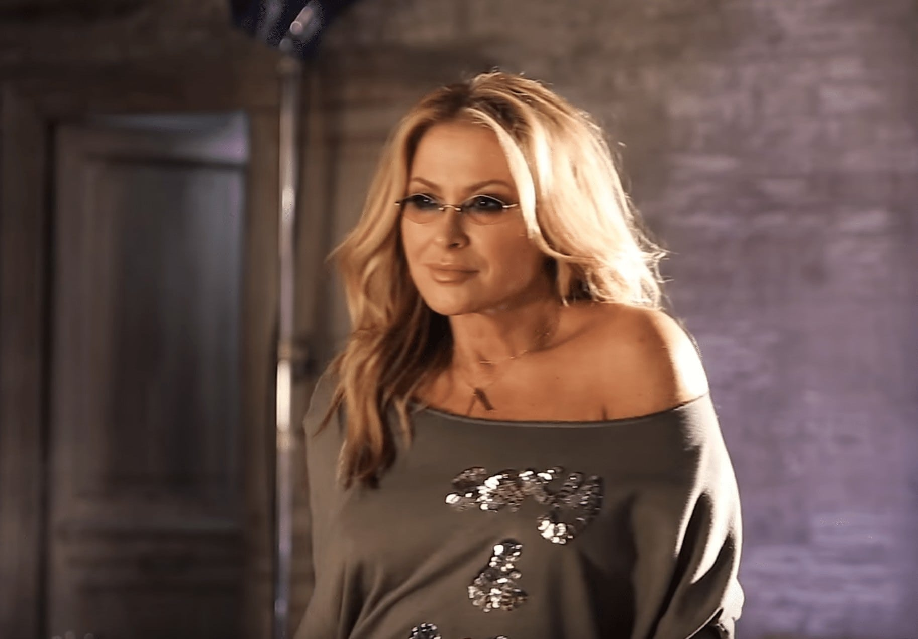 Photo of Anastacia – Caught In The Middle | VIDEO PREMIERE