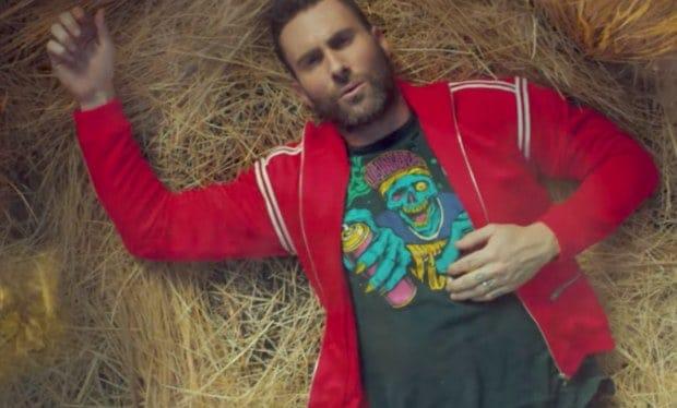 "Photo of Maroon 5: ecco il video del singolo ""What Lovers Do"" ft. SZA!"