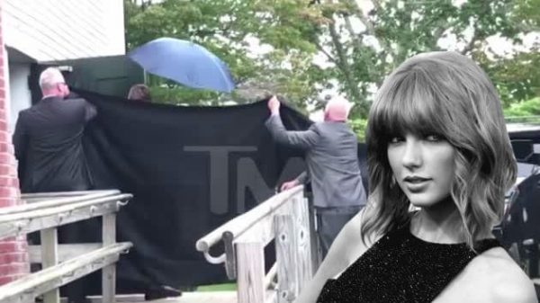 Taylor Swift Diva Si Nasconde