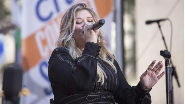 Tdy Concert Kelly Clarkson Soft 170908.Today Vid Canonical Featured Desktop