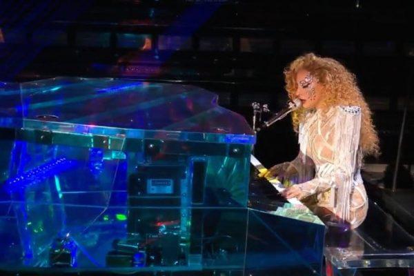111917 Lady Gaga Performance Lead