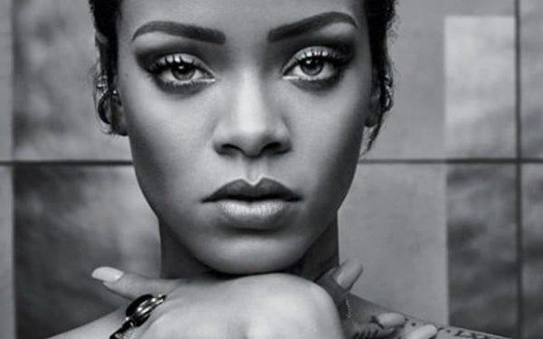 Rihanna Louvre