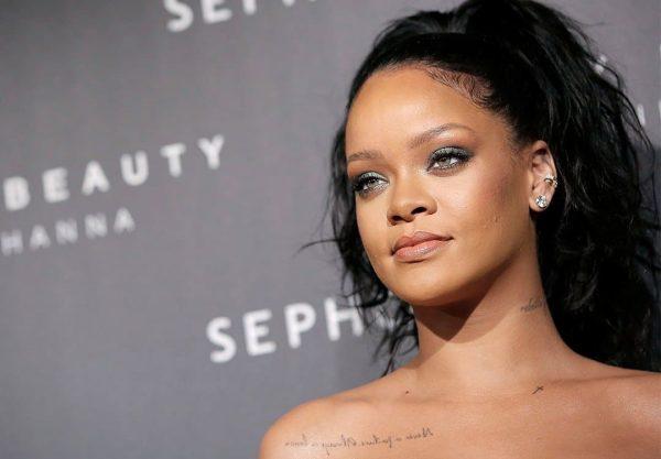 Rihanna Fenty Face Paris