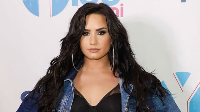 Demi Lovato Nye Kiss E1521655436667