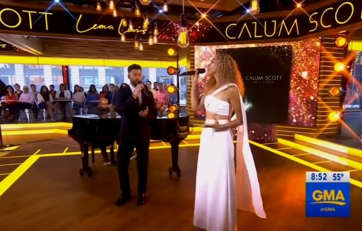 "Photo of Calum Scott & Leona Lewis live con ""You Are The Reason"" a GMA"