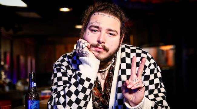 "Photo of Post Malone ha pubblicato l'album ""beerbongs & bentleys"". Ascoltalo QUI"