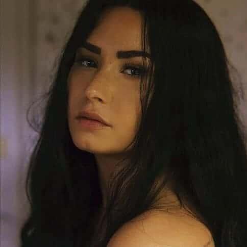 Demi Lovato – Sober