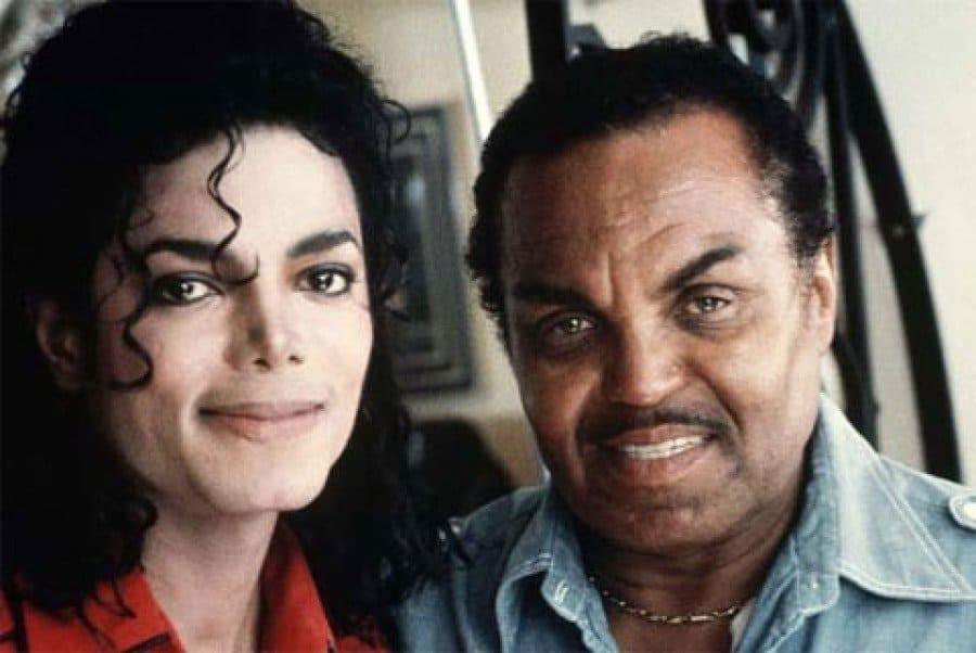 Photo of Michael Jackson castrato chimicamente dal padre. Accusa shock dell'ex medico