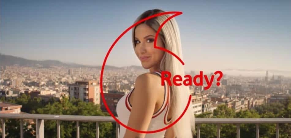 Photo of Baby K subisce la bufera tra Vodafone e Iliad, per qualche giorno lo spot ritirato