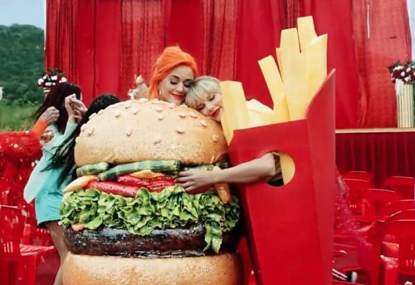 Photo of Taylor Swift: c'è anche Katy Perry nel nuovo video You Need To Calm Down