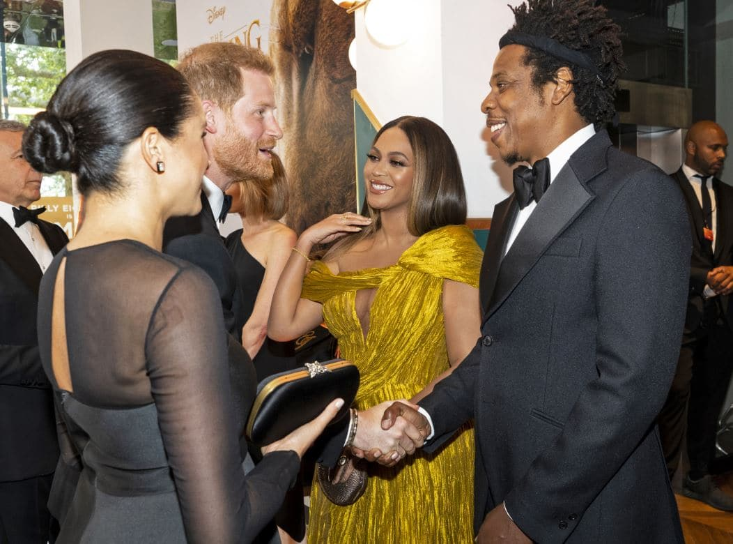 Photo of Beyoncé e Jay-Z con Harry e Meghan alla premiere di The Lion King a Londra.
