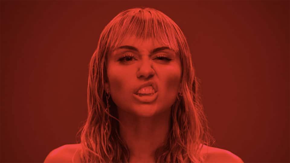Photo of Miley Cyrus censurata, ma Mother's Daughter sarà una HIT?