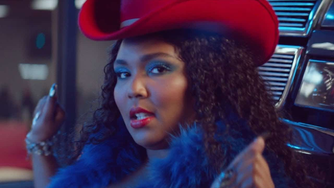 Photo of Lizzo ecco il nuovo video Tempo, insieme a Missy Elliott.