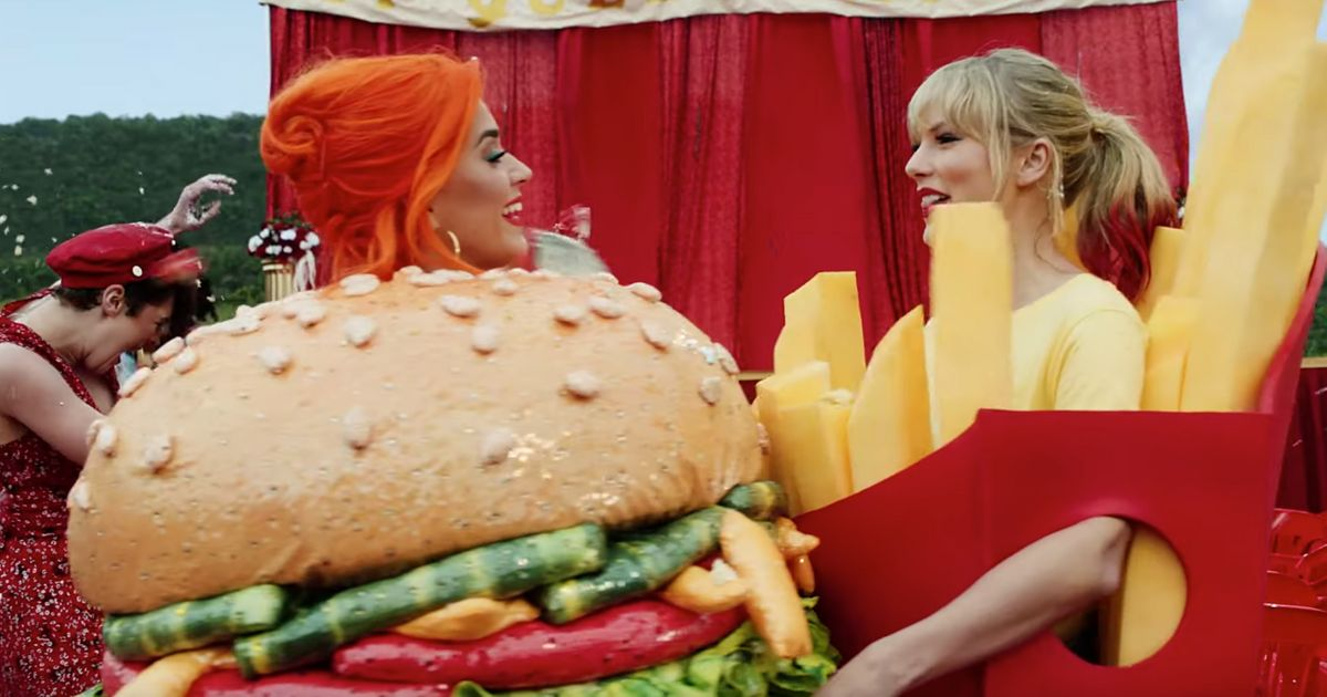 Photo of Katy Perry: svela tutto sulla pace fatta con Taylor Swift