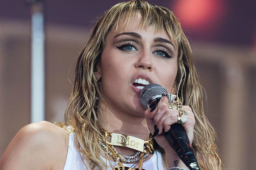 Photo of Traduzione testo Slide Away – Miley Cyrus