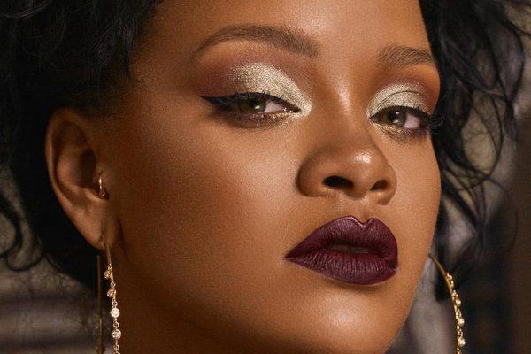 Rihanna Tutto su R
