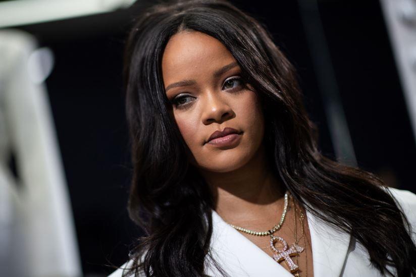 Photo of Rihanna: confermata a Variety l'ipotesi dei due album. Fa arrabbiare i coreani
