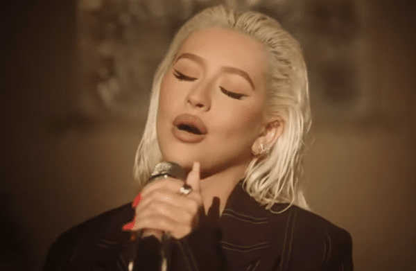 Christina Aguilera Canta Il Natale Have Yourself A Merry Little Christmas