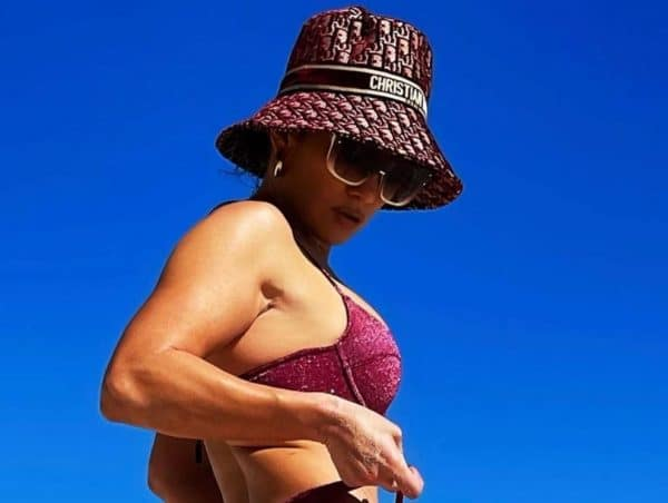 Jennifer Lopez Bikini Mostra Sedere