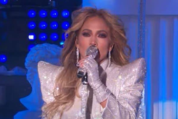 Concerto di Capodanno 2021. Da Jennifer Lopez a Miley Cyrus tutte le esibizioni della nottata americana per salutare il 2021.