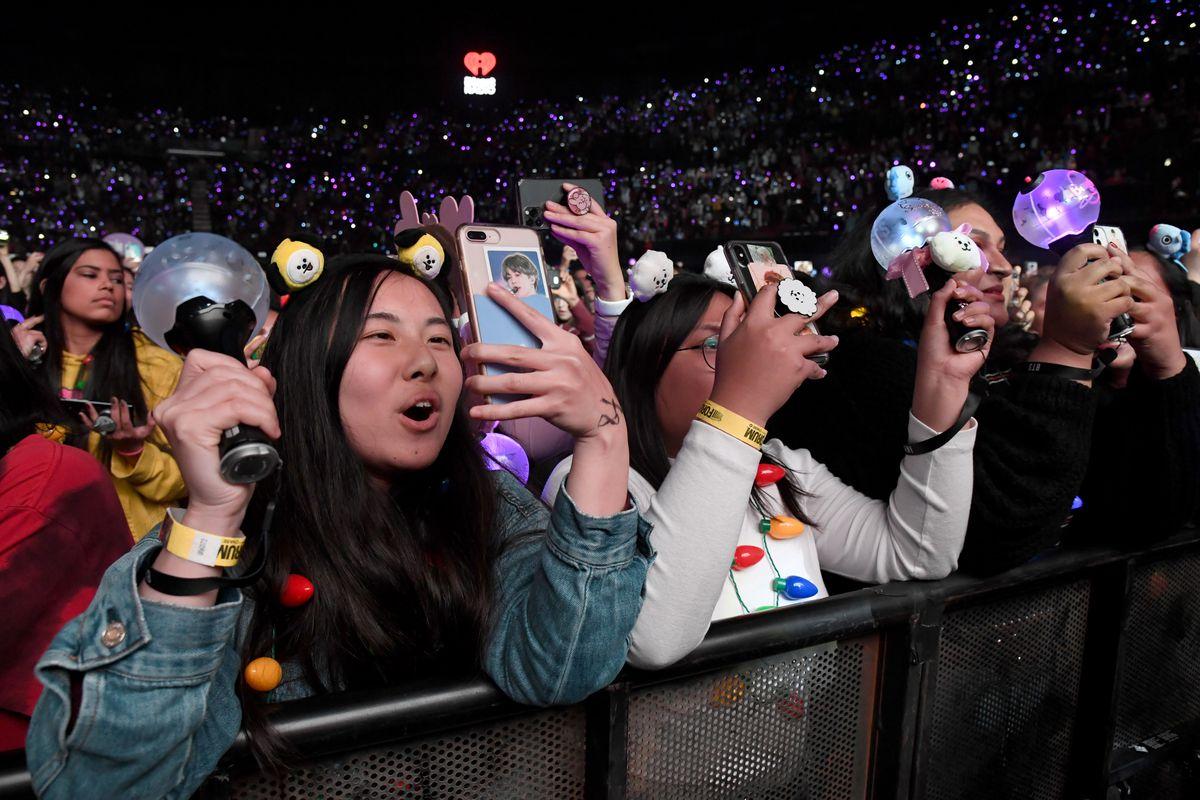 BTS fans grammys